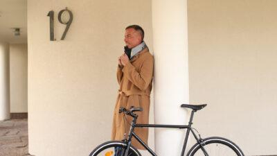 Cykla snyggt och säkert med Hövding